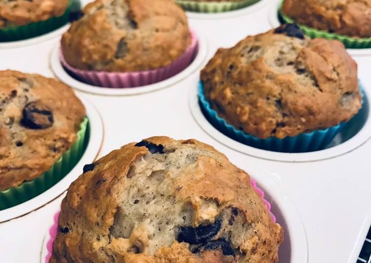Chocolate chip banana honey oat muffins