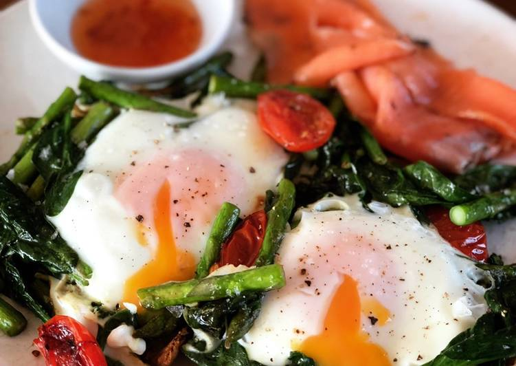 Baked Eggs on Toast with Smoked Salmon & Asparagus