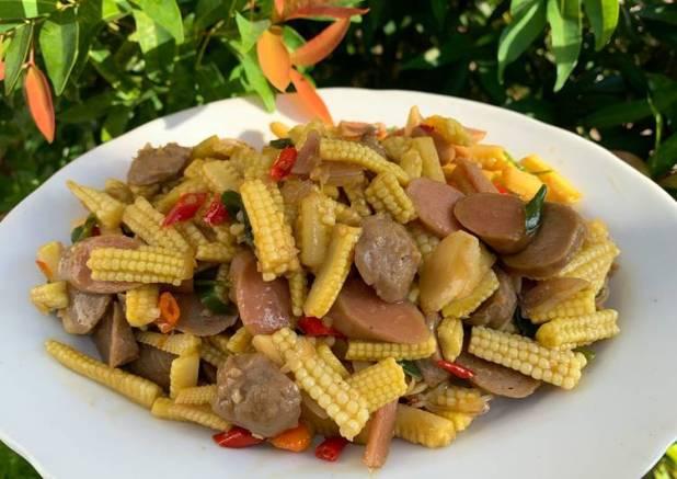 Oseng putren with bakso dan sosis