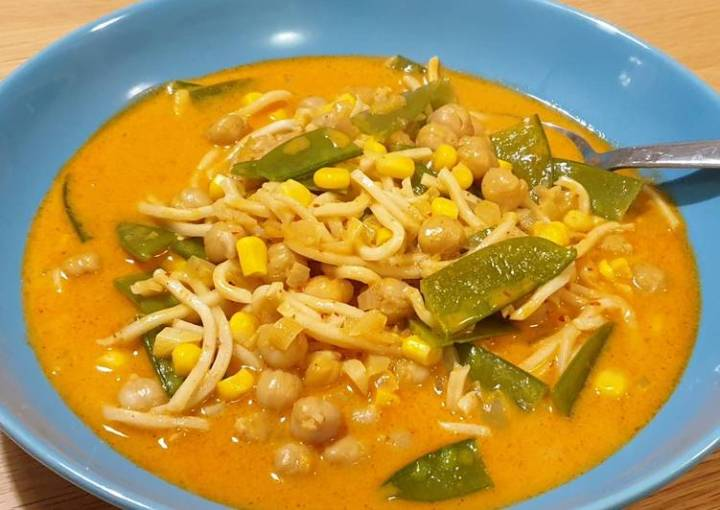 Vegetarian red curry soup