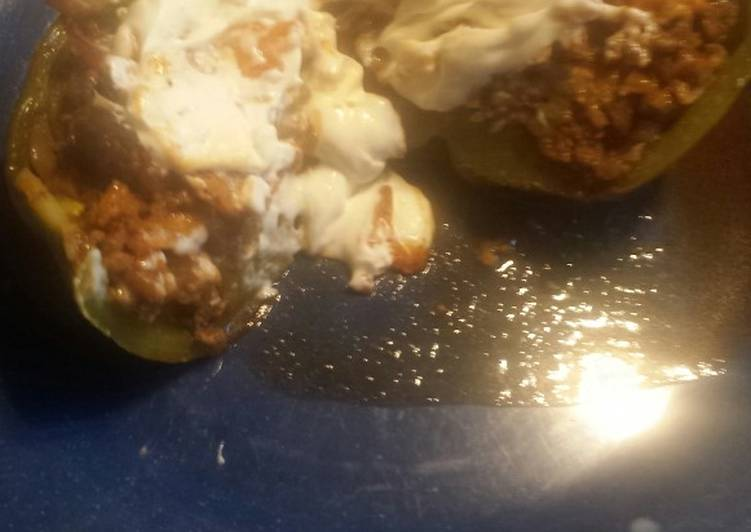 Stuffed green pepper taco with Parma chip
