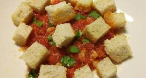 Crab with tomatoes chilli and croutons