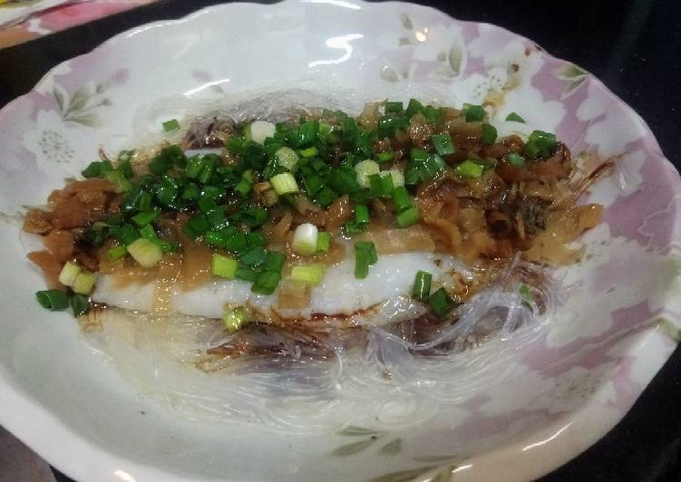 Steam fish and vermicelli