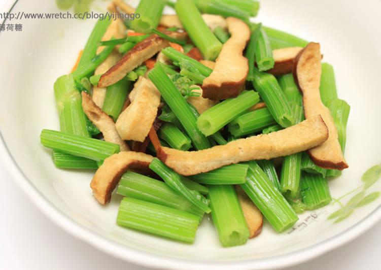 芹菜炒豆干食譜 by 薄荷糖 - Cookpad