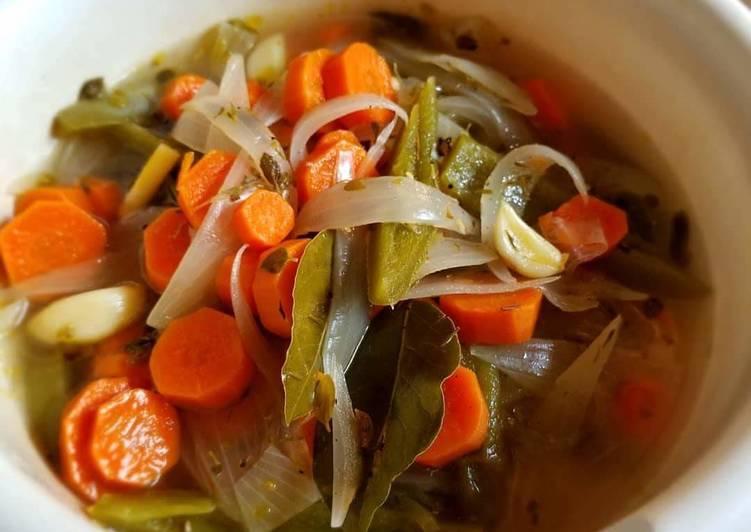 Chiles en vinagre / Jalapenos en escabeche / Pickled jalapenos
