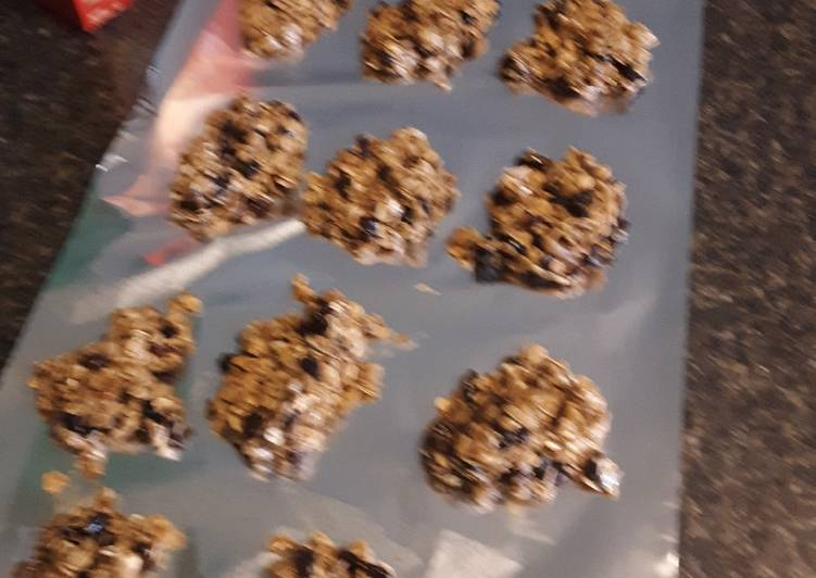 Oatmeal Raisin No-Bake Cookies