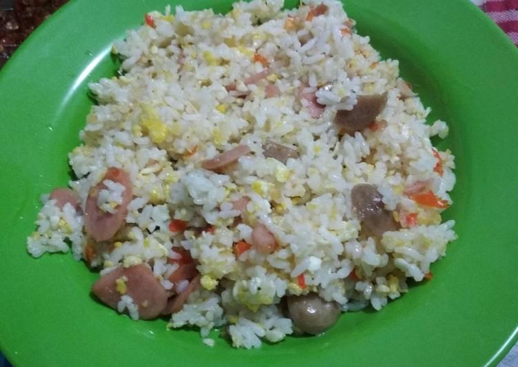 Nasi Goreng gila sosis bakso