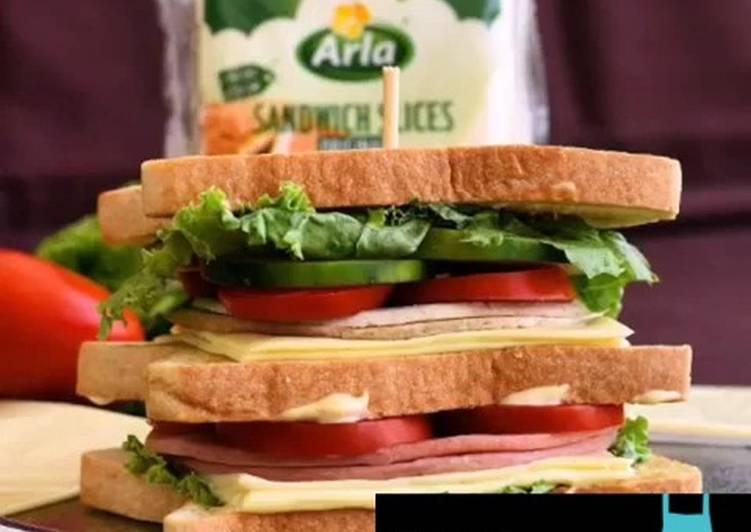 Deli beef sandwich