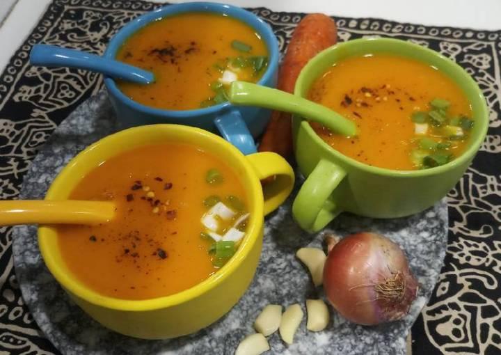 Carrot onion soup