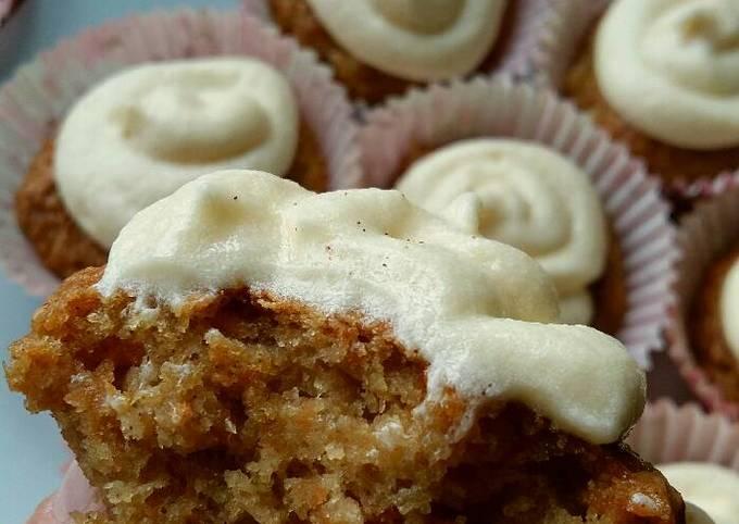 Vickys Carrot Cake Cupcakes, GF DF EF SF NF