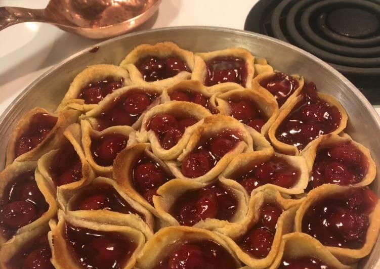 Pull apart cherry pie