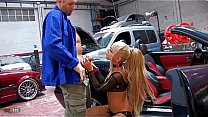 Petite young spanish whore Melody Star offering her ass in a garage