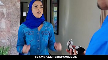 Nonton Bokep ExxxtraSmall - Hot Muslim Chick Gets Double Cumcockted