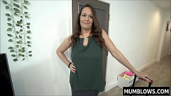 I fuck my aunt in her big mature ass