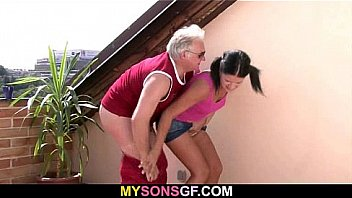 Video Bokep Horny old dad bangs son's girlfriend