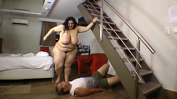 Bokep BBW Fat Ass Trampled Small Guy Punishment