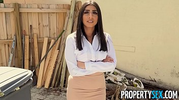 PropertySex - Hot real estate agent with large natural boobs motivates the handyman to work faster by fucking him in the laundry room