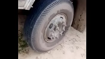 Bokep North Indian lorry in highway sex