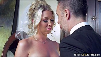 Bokep Lexi Lowe gets one last cock before the wedding