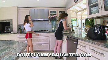 Bokep DON'T FUCK MY DAUGHTER - Young Humanitarian Gives Laborer Some Water, And Some Pussy