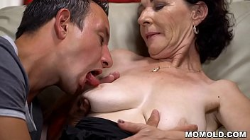 Porno Chubby mom and her younger lover