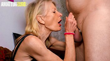 XXXOMAS - Fit Skinny Mature Lady Margit S. Blows And Fucks Hardcore With A Dirty Perv Neighbor