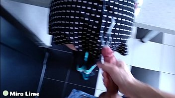 Daddy fucked his little girl stuck in icebox and massive cum on her skirt