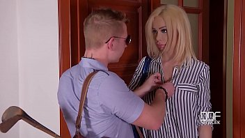 Blondie Chessie Kay's big tits & shaved pussy banged hard until she orgasms