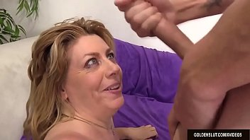 Video Porno Older Floozy Fucks and Takes Cum in Her Face