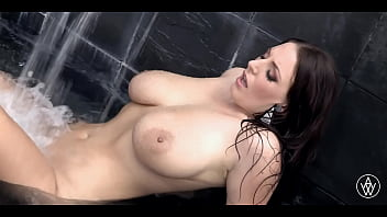 ANGELA WHITE - Big Natural Tits Babe Finger Fucks Herself in Water