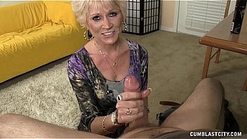 Bokep Topless Granny Splattered WIth Cum