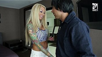 Bokep Mexican cable guy fucks big titted horny girl!!! Lolly Ink