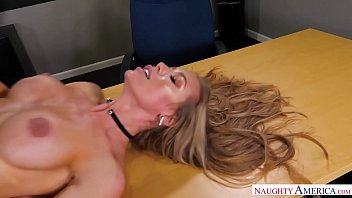 Bokep Nicole Aniston keeps her student after class and fucks him