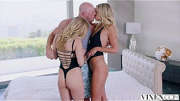 Bokep VIXEN Two sexy blondes cheat With a Threesome