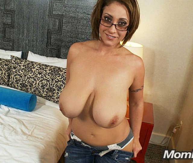 Galleries Index Busty Eva Notty Does Mompov