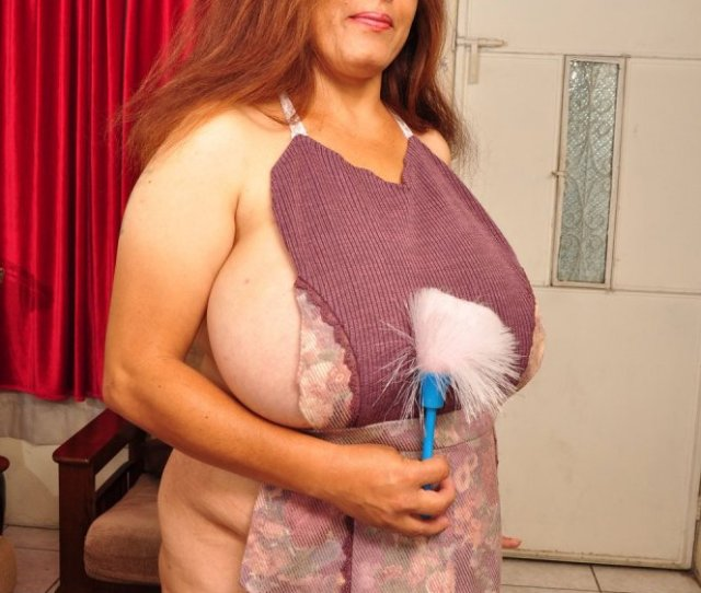 Galleries Index 44 Year Old Bbw Milf Rosaly Loves Cleaning Up