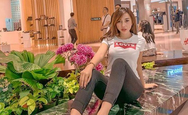 Potret Messya Iskandar Dalam Balutan Super Minim Awas Gak