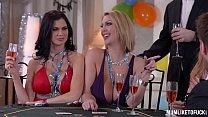 Hot Moms Cathy & Leigh  & Jasmine Jae Get Off In Groupsex Anal Fuck Scene