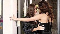 Wifes licking each other's pussies - Abigail Mac, Vanessa Veracruz
