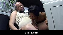 Bokep Xxx old young service in a car garaje