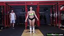 Latina Valentina Jewels is on the gym working hard and guy talks to her. He starts sucking and kissing Valentinas tits. In return she gives him a blowjob before she gets her pussy fucked at the gym.