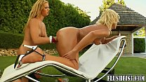 Bokep These horny blondes love a bit of outdoor fisting