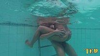 O cara do pau grande metendo na água