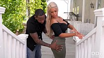 Veiny dark dick bangs Bridgette B.'s big tits & shaved pussy in the outdoors