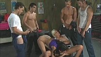 Erotic garage (bisex)