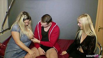 XXX Porn German Step Mom - Stief-Sohn wird beim wichsen von Mutti und Freundin ueberrascht und gefickt