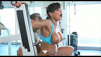 Bokep Lisa Ann workout is giving a young man a hard cock - PureMature