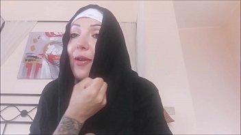 Bokep Sister Chantal, for heaven's sake ... close your thighs!