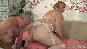 Bokep Dude bangs BBW blonde girl