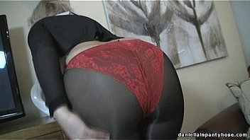 Video Porno Sexy ass wife in seamed pantyhose & panty